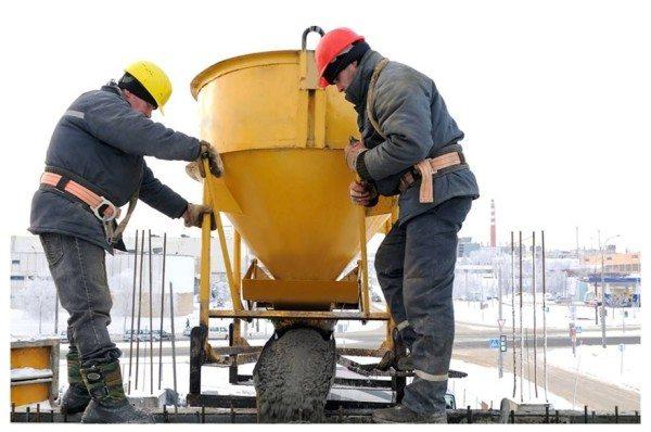 Твердение бетонного камня происходит вследствие химического взаимодействия его компонентов.