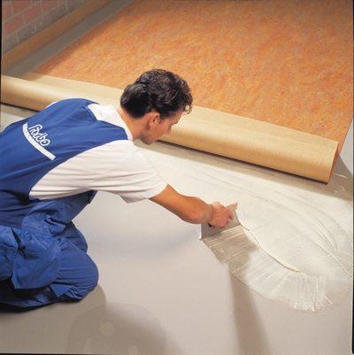 Укладка линолеума на бетонное основание