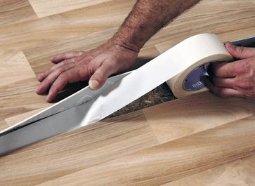 Установка специальной ленты для усиления стыков