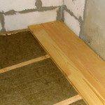 Утепление бетонного пола с помощью минеральной ваты