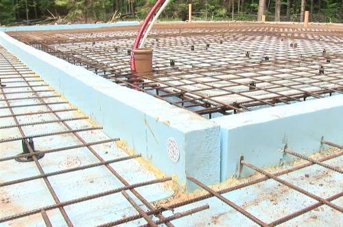 В готовой опалубке должно быть учтено не только соотношение всех размеров, но и наличие дополнительных элементов, которые нужны будут при последующих этапах строительства