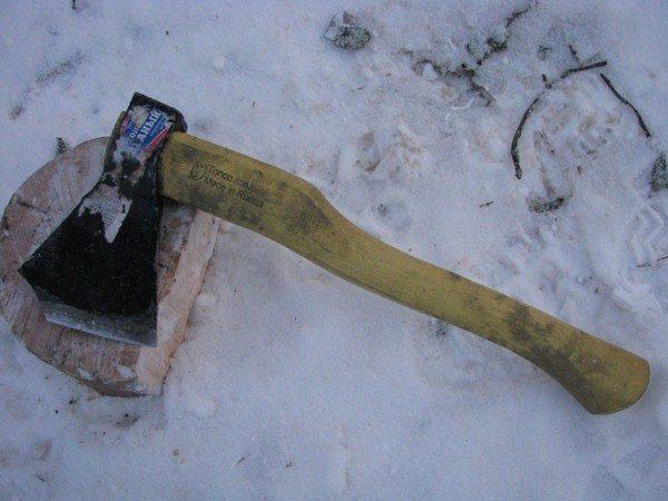 В сильные морозы сталь делается хрупкой.