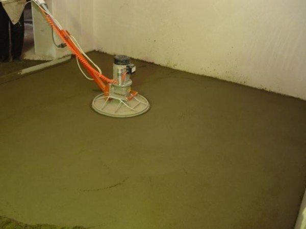 Виброуплотнение применяется и для выравнивания поверхности