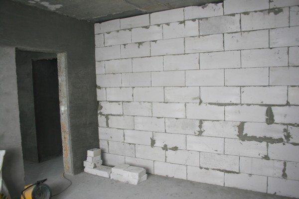 Внутренняя стена из газобетонных блоков