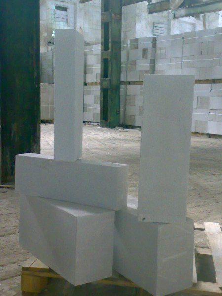 Ячеистый бетон автоклавного твердения в виде строительных блоков