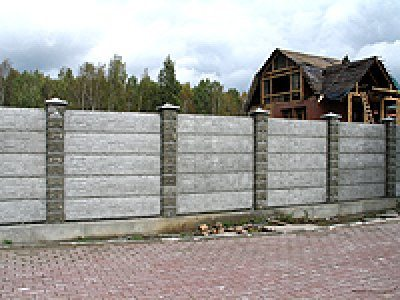 Забор из пяти секций в одном пролете