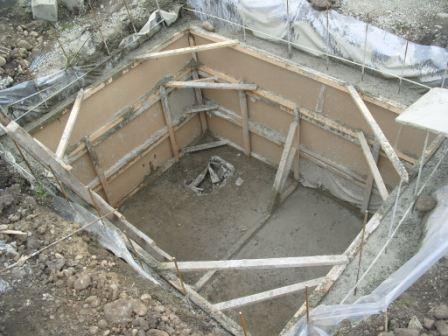 Залитая бетоном опалубка