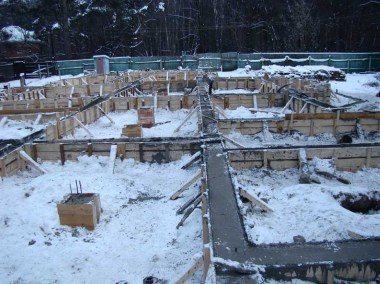 Заливка фундамента в зимнее время