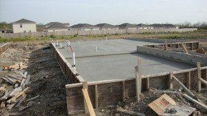 Заливное бетонный фундамент