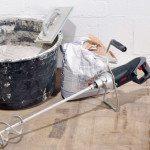 Замес бетона перфоратором с миксерной насадкой