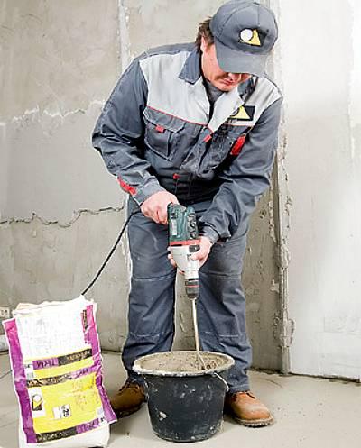 Замешивание цементного раствора