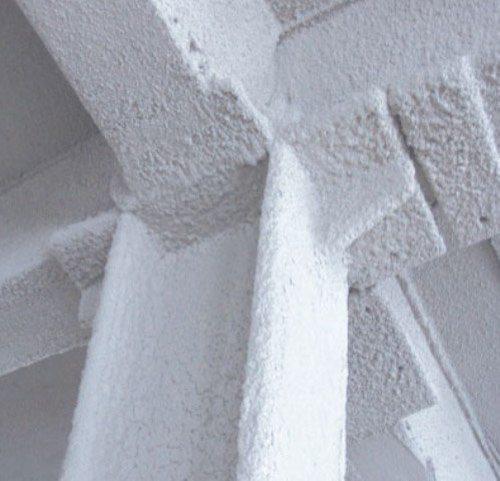 Железобетонные конструкции, оштукатуренные специальными составами